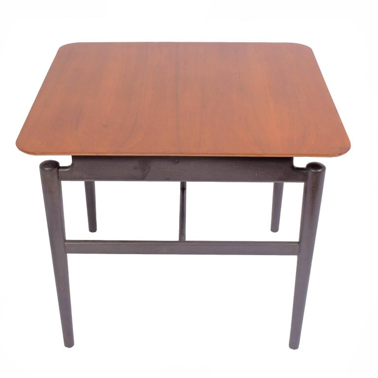Original condition ebonaze base with sycamore top side table model # 527 made by Baker.