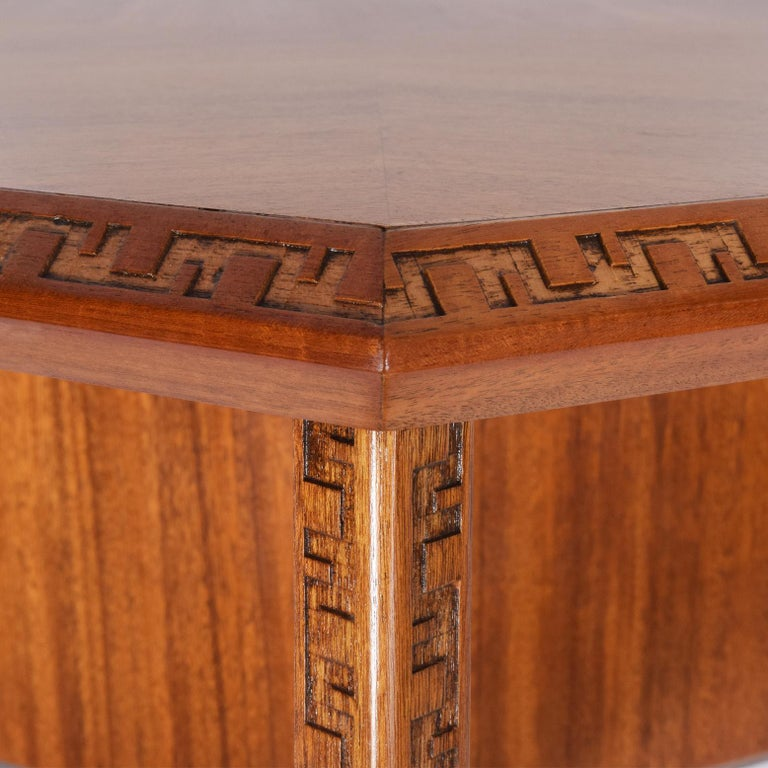 Frank Lloyd Wright Hexagonal Coffee Table for Heritage-Henredon In Good Condition For Sale In Dallas, TX