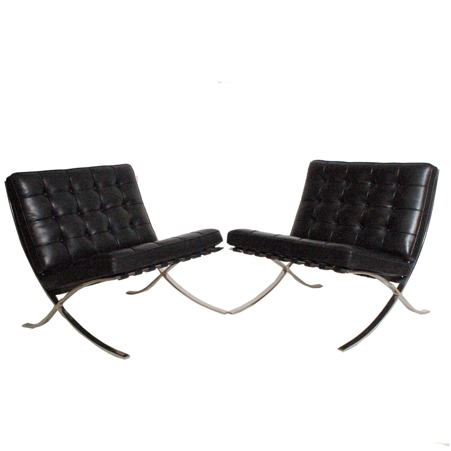 Pair Of Barcelona Chairs And Coffee Table By Mies Van Der Rohe For Knoll For Sale At 1stdibs