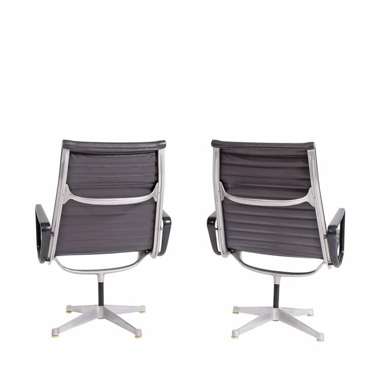 Early Production Aluminum Group Lounge Chairs by Charles Eames 3