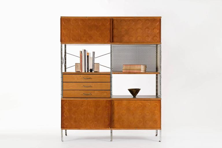 Mid-Century Modern Charles and Ray Eames ESU 400-N For Sale