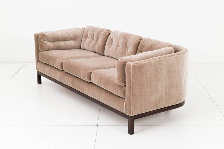 Mid-Century Modern Roger Sprunger Curved Back Sofa for Dunbar For Sale