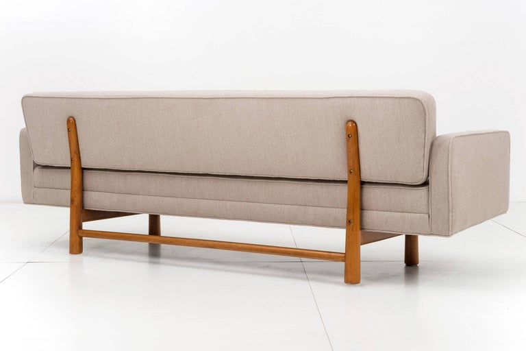 Edward Wormley for Dunbar Gondola Style Sofa In Excellent Condition For Sale In Chicago, IL