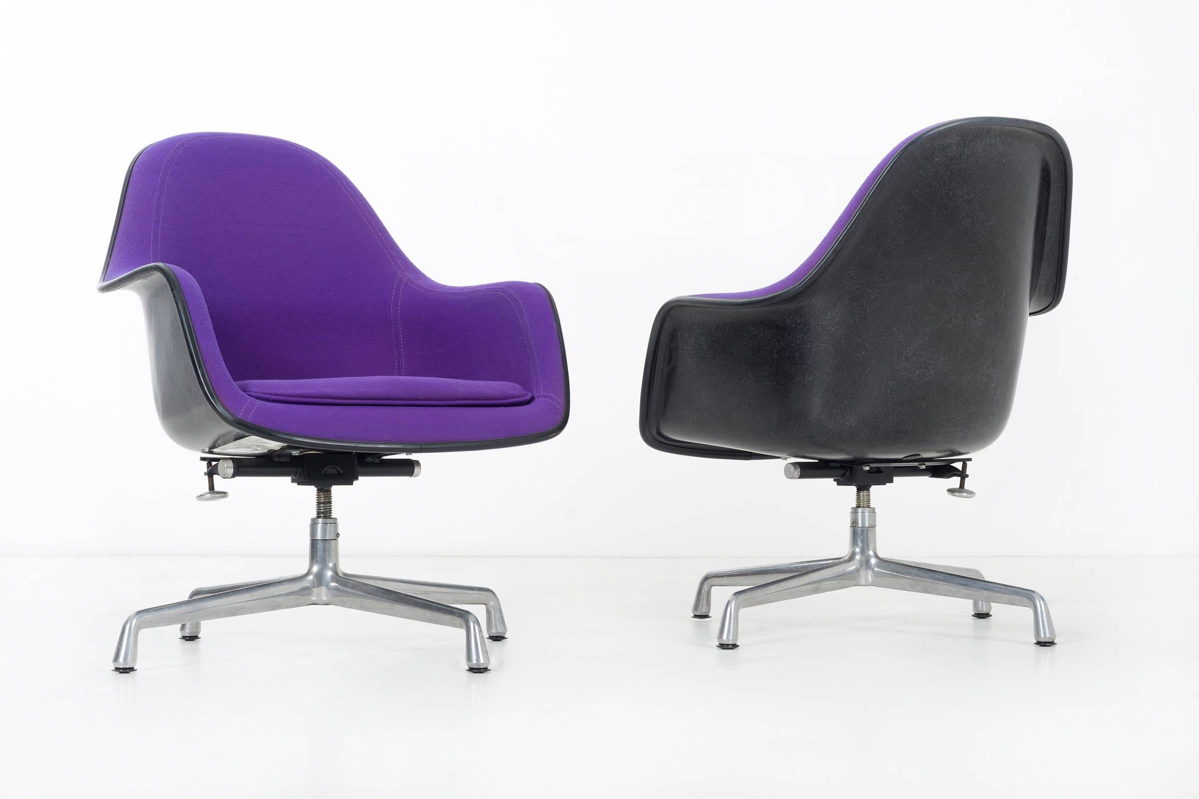 Mid Century Modern Purple Herman Miller Lounge Chair For Sale
