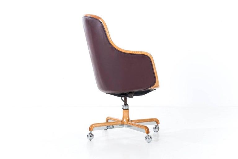 Mid-Century Modern Ward Bennett Executive Desk Chair For Sale