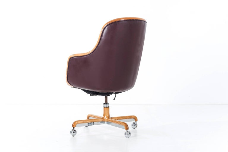 Late 20th Century Ward Bennett Executive Desk Chair For Sale