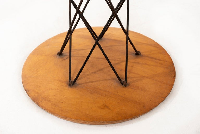 Mid-Century Modern Isamu Noguchi End or Side Table For Sale
