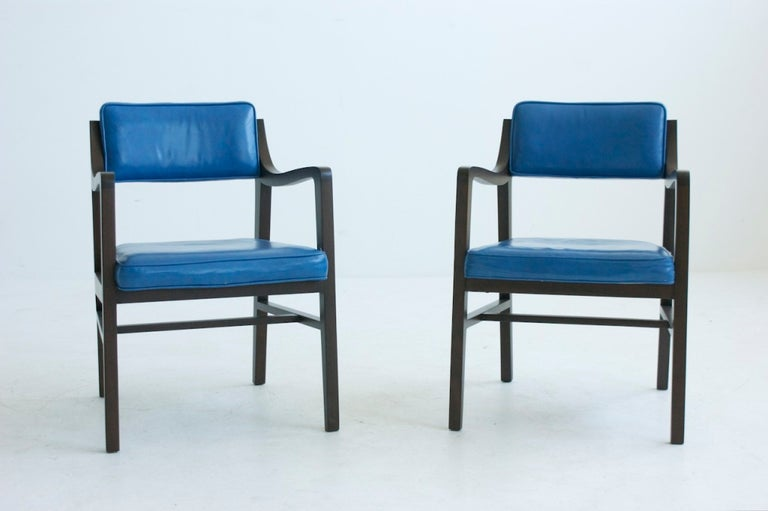 Mid-Century Modern Edward Wormley Pair of Pull Up Chairs For Sale