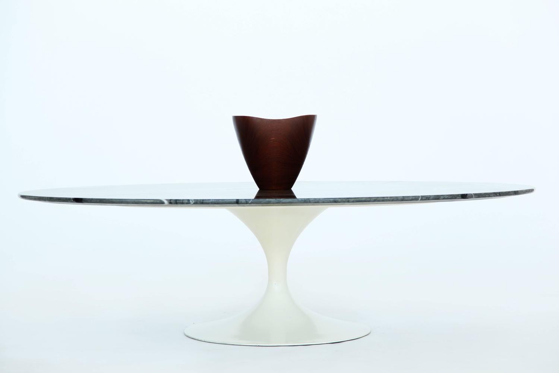 Eero saarinen tulip coffee table at 1stdibs for Tulip coffee table