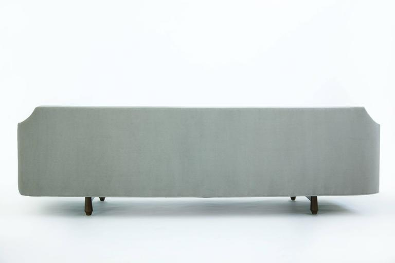 Edward Wormley Curved Corner Sofa In Excellent Condition For Sale In Chicago, IL