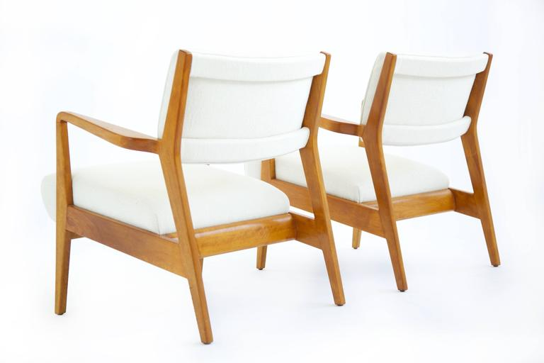 Cherry Pair of Early Jens Risom Lounge Chairs For Sale