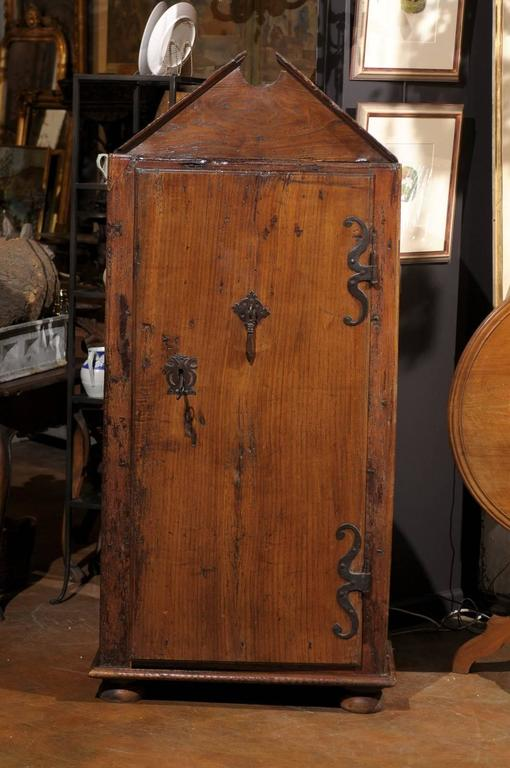 french cabinet from aix en provence circa 1500s original hardware for sale at 1stdibs. Black Bedroom Furniture Sets. Home Design Ideas