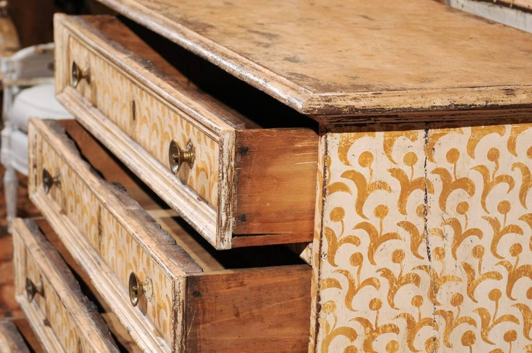 17th Century Florentine Tall Four-Drawer Commode with Painted Floral Motifs For Sale 4
