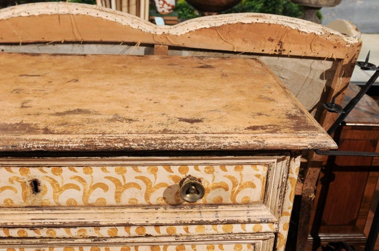 17th Century Florentine Tall Four-Drawer Commode with Painted Floral Motifs For Sale 1