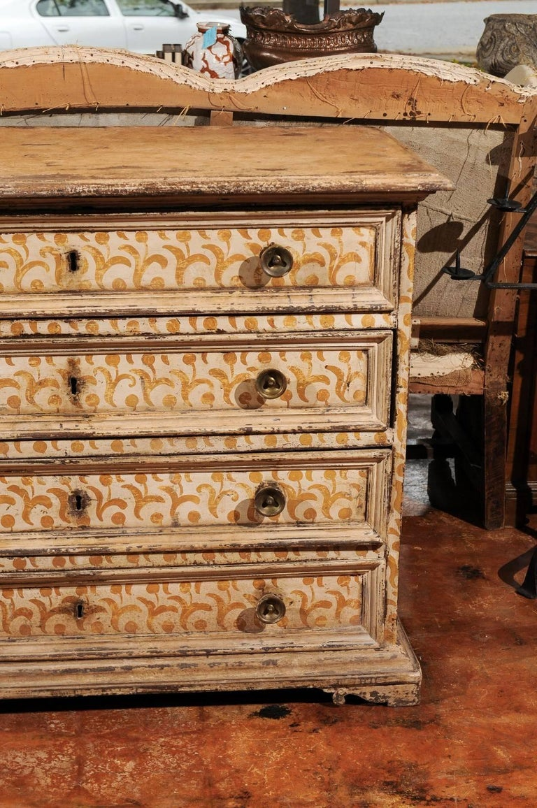 17th Century Florentine Tall Four-Drawer Commode with Painted Floral Motifs In Good Condition For Sale In Atlanta, GA