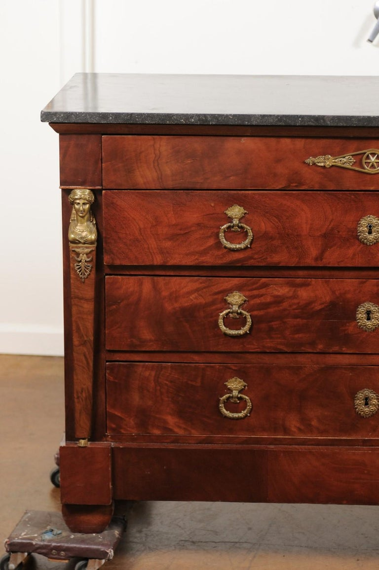 French 1830s Empire Style Four-Drawer Mahogany Commode with Bronze Mounts In Good Condition For Sale In Atlanta, GA