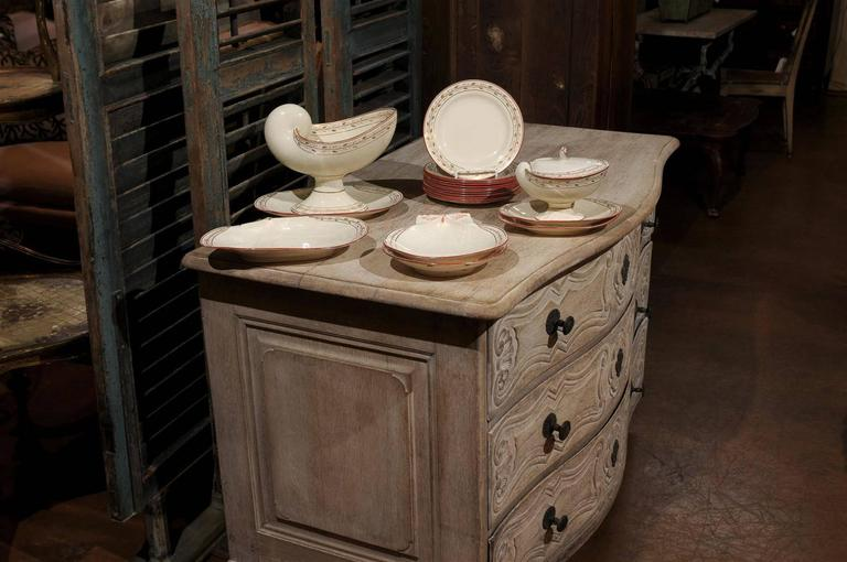 Early 19th Century 20-Piece Wedgwood Seashell and Seaweed Set, Maker Marked In Excellent Condition For Sale In Atlanta, GA