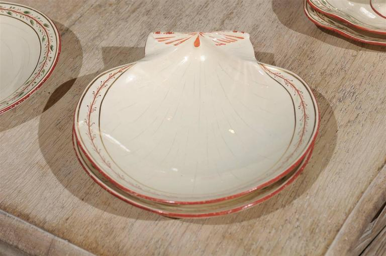 Early 19th Century 20-Piece Wedgwood Seashell and Seaweed Set, Maker Marked For Sale 3