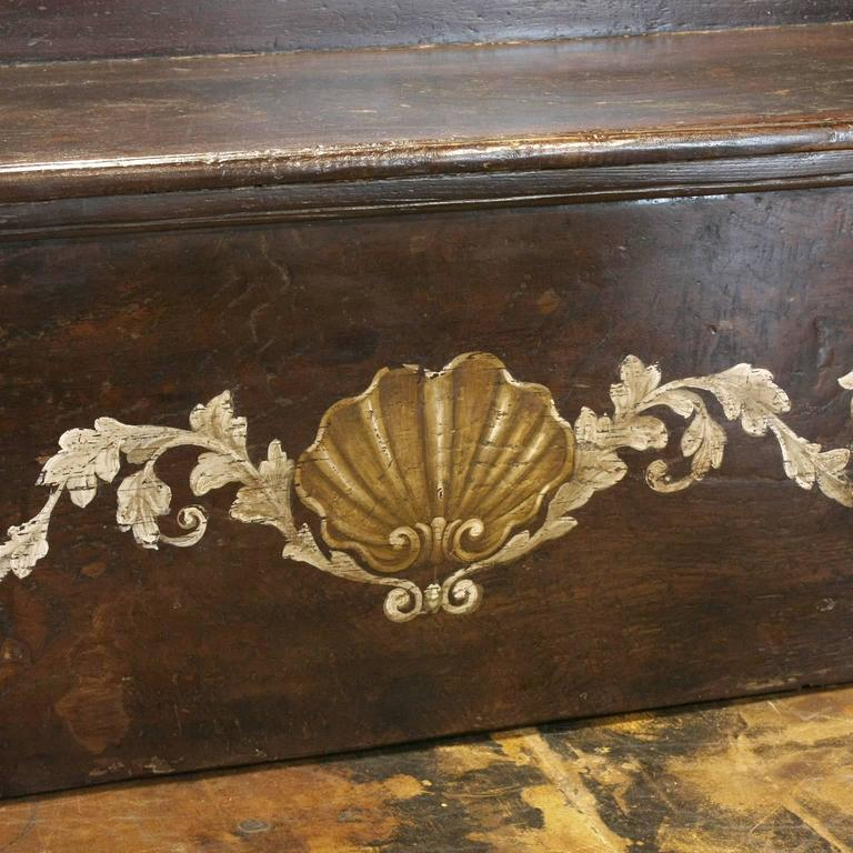 Italian Wooden Hall Bench with Painted Coat of Arms and Hinged Seat Circa 1800 4