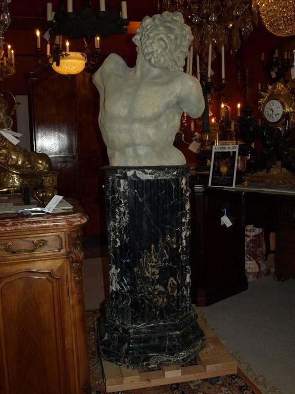 Marble Pedestals In Excellent Condition For Sale In Atlanta, GA
