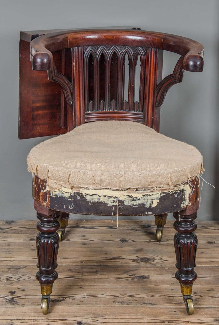 British George III Mahogany and Brass-Mounted Reading Chair For Sale