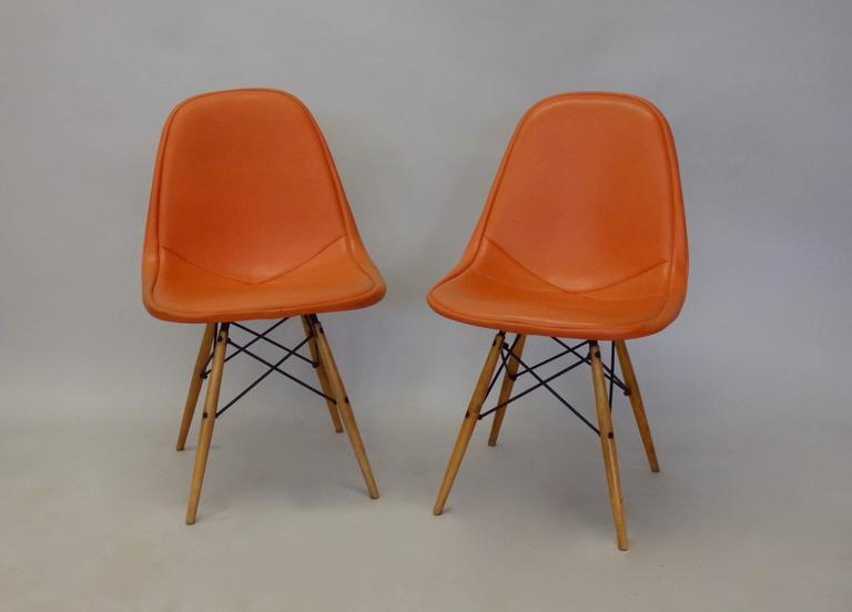 Pair of Early Charles and Ray Eames for Herman Miller Dowel Leg Wire Chairs In Excellent Condition For Sale In Ferndale, MI