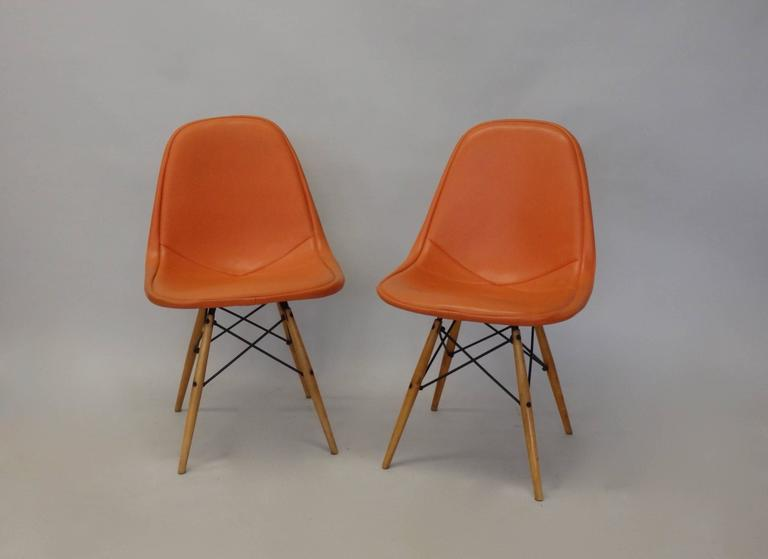 Mid-Century Modern Pair of Early Charles and Ray Eames for Herman Miller Dowel Leg Wire Chairs For Sale