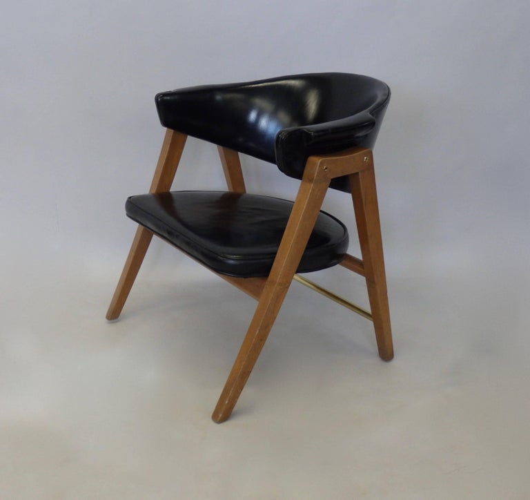 Mid-Century Modern Edward Wormley for Dunbar Lounge Chair with Black Leather For Sale