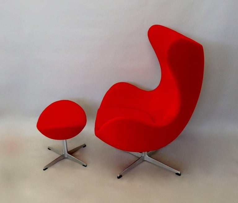 red arne jacobsen fritz hansen egg chair with ottoman for