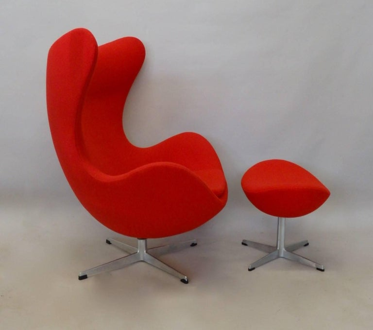 20th Century Red Arne Jacobsen Fritz Hansen Egg Chair with Ottoman For Sale