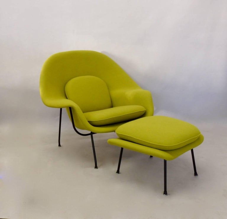 Black Leg Eero Saarinen Early 1950s Knoll Womb Chair For