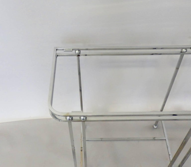 Pair of Donald Deskey Style Art Deco Machine Age Chrome Console Side Tables In Good Condition For Sale In Ferndale, MI