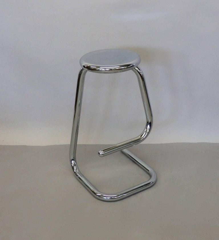 1970s Modernist Chrome Bar or Counter Stool In Excellent Condition For Sale In Ferndale, MI