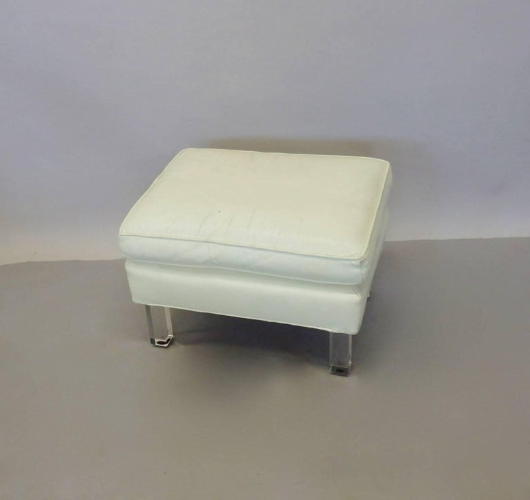 20th Century Springer Era 1970s White Leather Ottoman on Lucite Legs For Sale