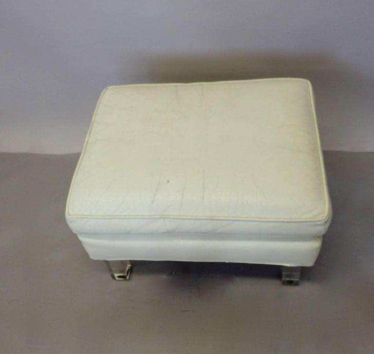 Springer Era 1970s White Leather Ottoman on Lucite Legs For Sale 1