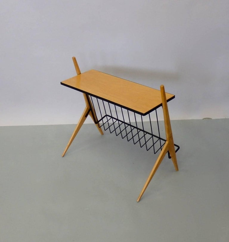 Arthur Umanoff Wrought Iron Blonde Wood Magazine Stand Side Table In Excellent Condition For Sale In Ferndale, MI