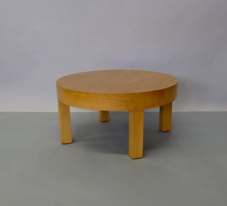 Low Round Art Deco Side Table or Stand In Good Condition For Sale In Ferndale, MI