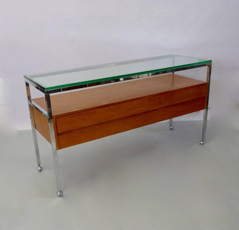Custom Florence Knoll Attributed Glass Top Teak Display Credenza In Good Condition For Sale In Ferndale, MI