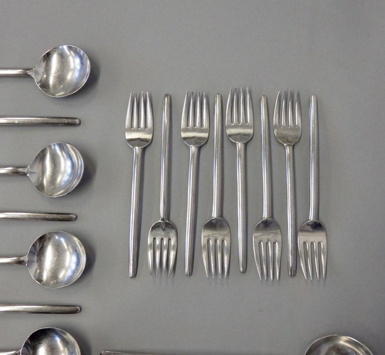 Lauffer Holland Five-Piece Modernist Setting for Eight Flatware Table Utensils For Sale 2