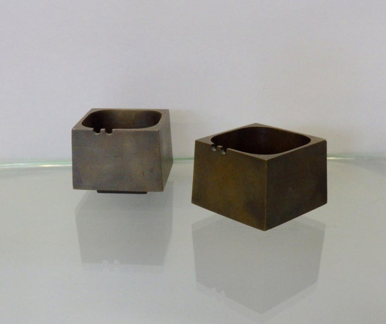 American Pair of Paul Evans Style Cast Bronze Brutalist Ash Trays For Sale