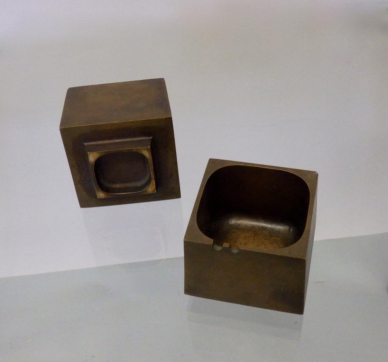 20th Century Pair of Paul Evans Style Cast Bronze Brutalist Ash Trays For Sale