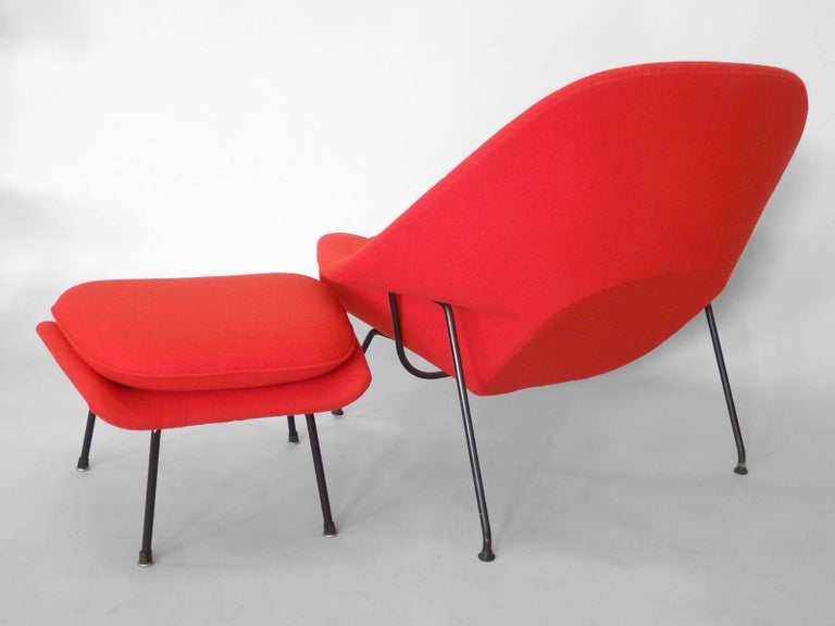 Mid-Century Modern Early Production Eero Saarinen for Knoll Womb Chair with Ottoman