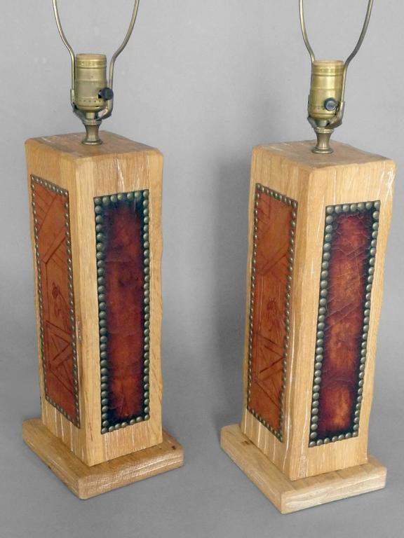 American Pair Of Ranch Oak Western Theme Cottage Lodge Table Lamps For Sale