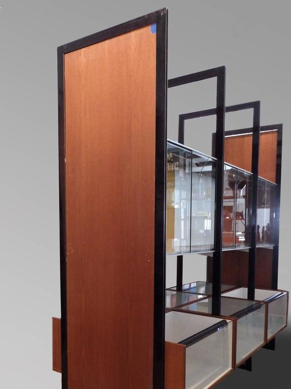 Custom Contract George Nelson Walk Around CSS Display Case Room