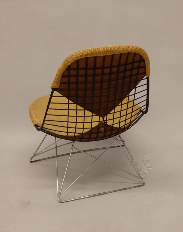 Mid-Century Modern Early and Original Charles and Ray Eames LKR Chair on Zinc Cats Cradle Base For Sale