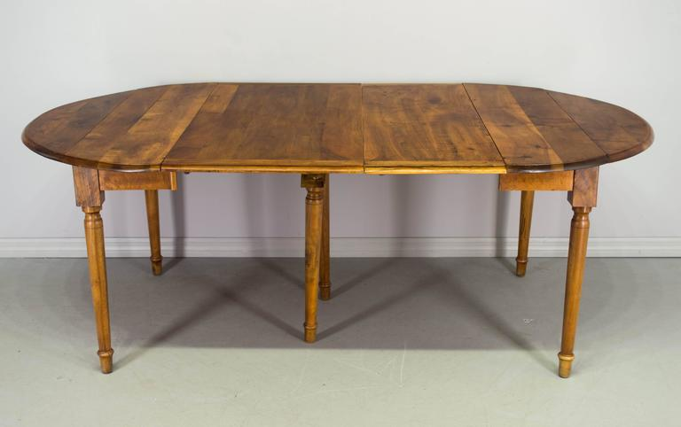 Late 19th century louis philippe style dining table for - Table ronde style louis philippe ...