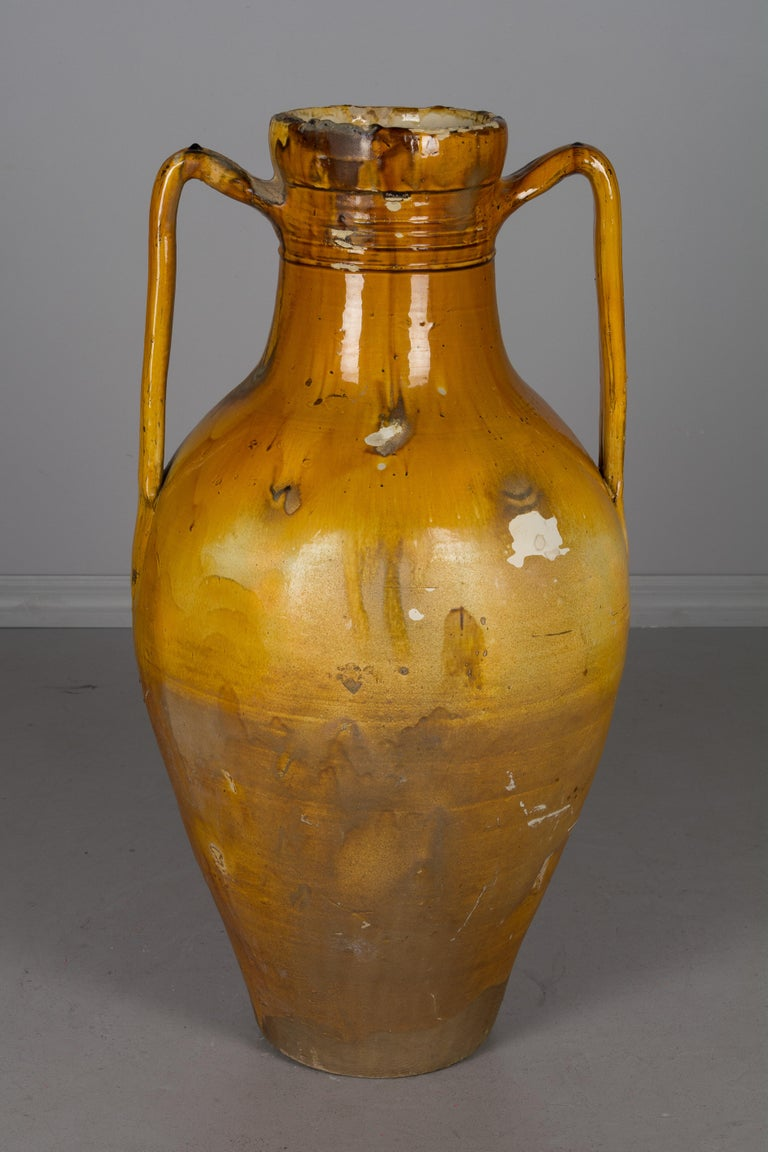 Large 19th Century Italian Terracotta Urn In Good Condition For Sale In Winter Park, FL
