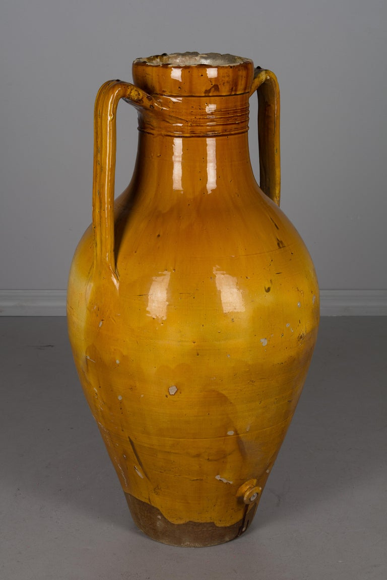 Large 19th Century Italian Terracotta Urn For Sale 3