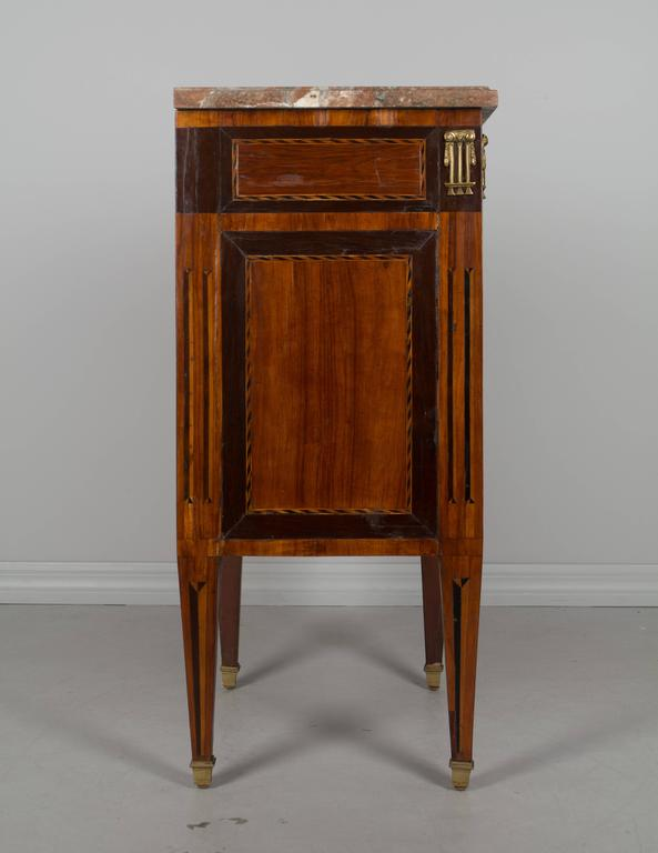 18th Century Louis XVI Petite Commode In Excellent Condition For Sale In Winter Park, FL