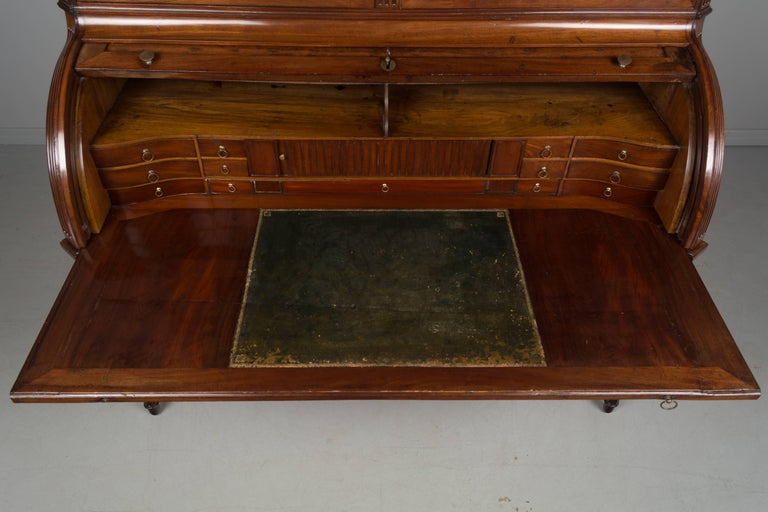 18th Century Louis Xvi Bureau 224 Cylindre Or Roll Top Desk